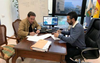 El Plan de Peatonalización y la reforma del Mercado de la Concepción, objetivo de una reunión entre el Ayuntamiento y la Asociación de Vendedores Ambulantes Linenses