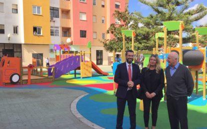 En la inauguración del parque infantil de La  Velada el alcalde anuncia la instalación de más zonas infantiles en barriadas para 2019