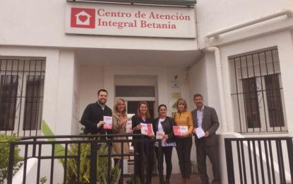 """Juan Pablo Arriaga acompaña a Susana Camarero y Pilar Pintor en su visita a Nuevo Hogar Betania de La Línea y el proyecto Cáritas """"Café y Calor"""""""