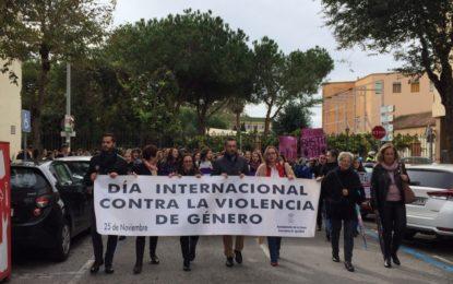 """Centenares de adolescentes se unen a la marcha contra  la violencia de género bajo el lema """"Stop violencia machista"""""""