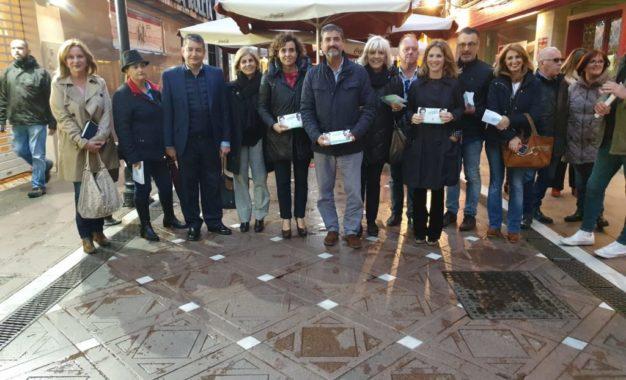 Visita a La Línea de la Portavoz del PP en el Congreso Dolors Montserrat
