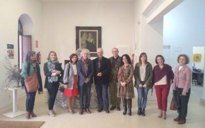 Participantes en una jornada sobre gestión cultural visitan el Museo Cruz Herrera
