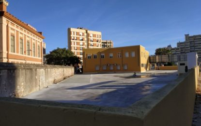 Ciudadanos La Línea cuestiona la legalidad del aparcamiento construido en la zona verde junto al edificio de Hacienda