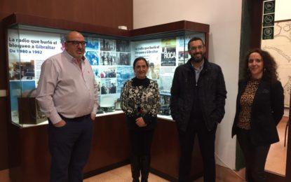 """El edificio Istmo-Comandancia alberga la exposición """"La radio que burló el bloqueo a Gibraltar"""" enmarcada en los actos del 50º aniversario del cierre de la verja"""