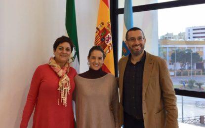 El alcalde recibe a la comandante linense Gala Gallego a su regreso de Irak, donde fue la primera mujer al mando de una misión del ejército español en zona de operaciones