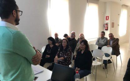 """Mario Fernández detalla a los colectivos que respaldaron el proyecto de """"arquitectura defensiva"""" las circunstancias que han motivado la denegación de la subvención"""