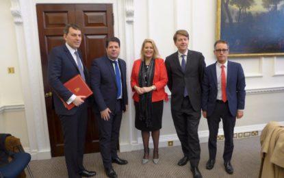 Los Gobiernos de Gibraltar y el Reino Unido celebran una cumbre para tratar el Brexit