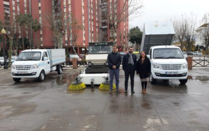 El alcalde ha presentado esta mañana nueva maquinaria para el servicio de limpieza