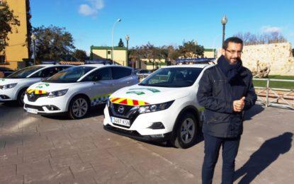 El alcalde ha presentado cuatro nuevos vehículos para la Policía Local