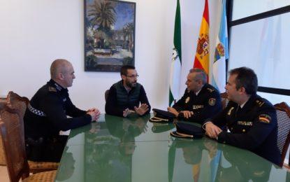 El alcalde recibe la visita oficial del nuevo comisario jefe de La Línea