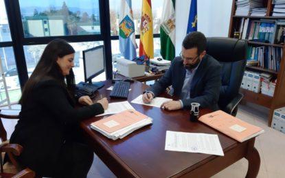 Firmado el contrato con la empresa Rutesa S.L. para el suministro de los nuevos carros de barrendero