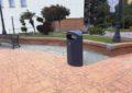 Limpieza coloca nuevas papeleras en diferentes puntos de la ciudad