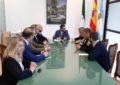 La delegada del Gobierno de la Junta en Cádiz traslada al alcalde el compromiso del ejecutivo andaluz para resolver los problemas de la ciudad