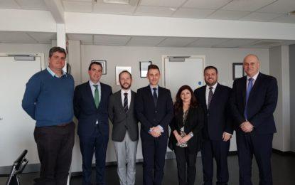 La Autoridad Sanitaria de Gibraltar formaliza su relación con la reputada Clínica Universidad de Navarra a través de un acuerdo marco
