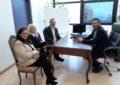 El alcalde reconoce la trayectoria de la escritora linense Yolanda Cruz, finalista del Premio Planeta en 2013