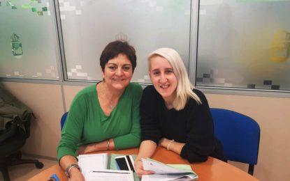 La concejal de Igualdad recibe a la psicóloga y cineasta María Pasadas