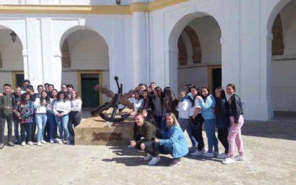 Visita de alumnos de los colegios Sagrado Corazón y Juan Pablo II-San Pedro a las instalaciones del Tercio de la Armada en San Fernando
