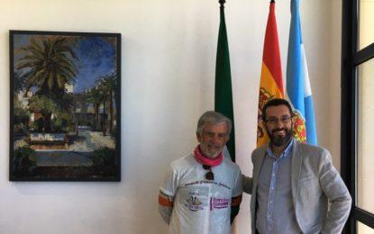 """La campaña """"caminando contra el cáncer"""" hace escala en el Ayuntamiento de La Línea"""