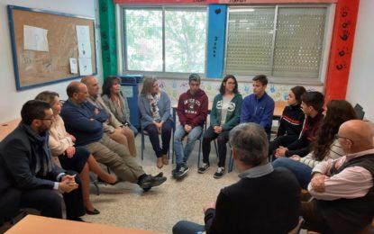 El alcalde visita a los alumnos participantes en el Encuentro UNESMUN de la Red de Escuelas UNESCO