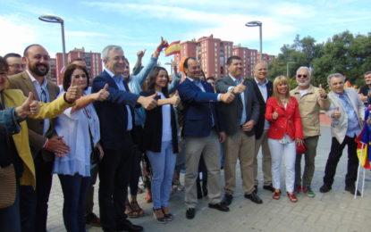 Arrimadas ve en el «brexit» una oportunidad para            el Campo de Gibraltar                  y La Línea (con galería de fotos)