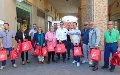Reparto electoral del PSOE por las principales calles   del centro de La Línea