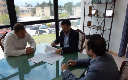Firmado el contrato del servicio de auditoría energética de edificios municipales y colegios públicos