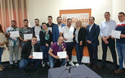 Entregados los diplomas del curso de instalación de fibra óptica organizado por Secretariado Gitano, Orange y Magtel