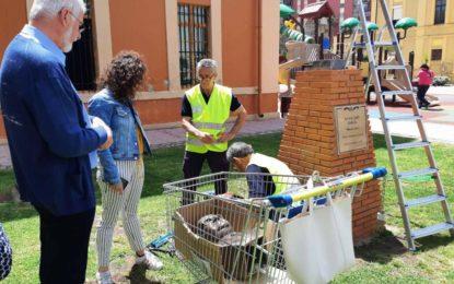 Colocado el nuevo busto del Maestro Jaén realizado en bronce en los jardines municipales