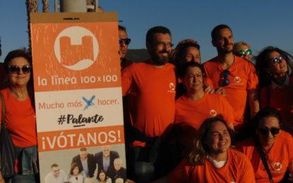 Ganas e ilusión en la pegada de carteles de Juan Franco y La Línea 100×100