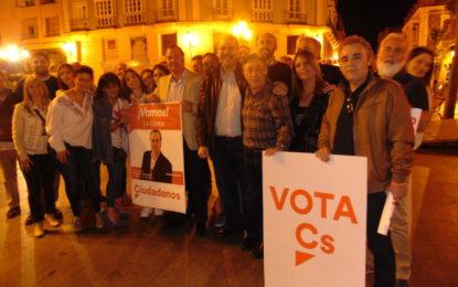 Ciudadanos arrancó la campaña en la Plaza de la Iglesia