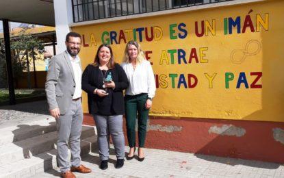 El alcalde se interesa por los nuevos proyectos del colegio Pedro Simón Abril