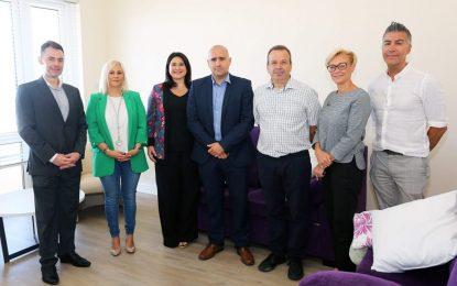 El Ministerio de Vivienda de Gibraltar asiste a la agencia de atención con importantes renovaciones para los niños bajo cuidado