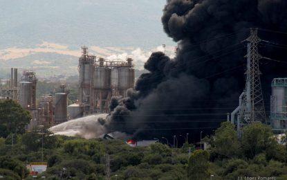 El Ayuntamiento de La Línea plantea solicitar información sobre las causas y consecuencias del incendio en una industria de Guadarranque