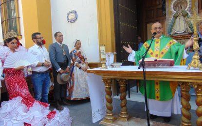 Misa Rociera con emotivas palabras del Padre Francisco de Paula recordando el cierre de la frontera con Gibraltar (con galería de fotos)