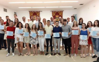 El Ayuntamiento entrega diplomas al alumnado con matrícula de honor