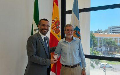 El alcalde recibe al linense Antonio Romero, general del ejército de tierra al mando de la BRILAT en Pontevedra