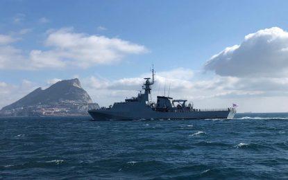 La base de la Royal Navy en Gibraltar recibe la visita de una patrullera de última generación