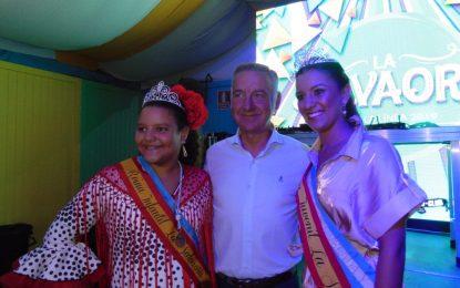 Recepción y copa de La Salvaora a la Reina de la Feria y al cortejo (con galería de fotos)