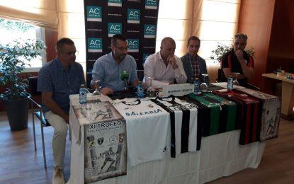 Presentado el Trofeo Real Balompédica Linense que se celebrará este fin de semana  en el Estadio Municipal
