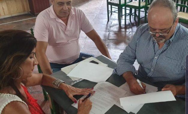 La concejalía de Turismo suscribe un convenio con la Peña Flamenca para su inclusión en las visitas turísticas guiadas