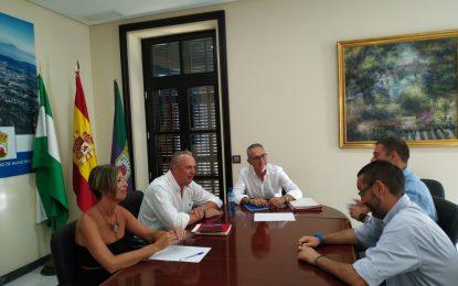 El PSOE y La Línea 100×100 se reúnen para analizar la situación de la Mancomunidad