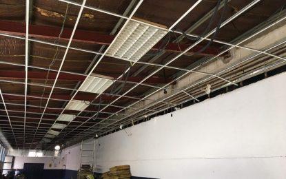 El Ayuntamiento acomete obras de mejora de cubiertas e iluminación en el Mercado de La Concepción