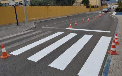 Mantenimiento Urbano inicia el pintado de pasos de cebra junto a centros educativos