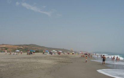 El Ayuntamiento y Arcgisa darán mañana a conocer el resultado del análisis realizado hoy en la Playa del Burgo
