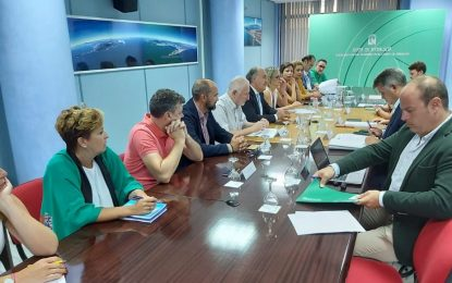 Helenio Fernández y Zuleica Molina asisten a una reunión con la Junta de Andalucía sobre Vivienda