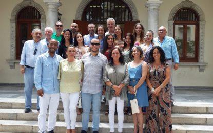 """El ayuntamiento recibe a la compañía  venezolana que actuará con David Morales en """"Amor en libertad"""""""