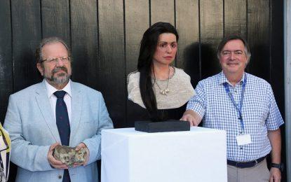John Cortés presenta la reconstrucción del rostro de Calpeia, la primera mujer moderna conocida que vivió en el Peñón