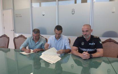 Suscrito un convenio de colaboración con San Martín del Tesorillo para que agentes de la Policía Local linense presten servicio en dicho municipio