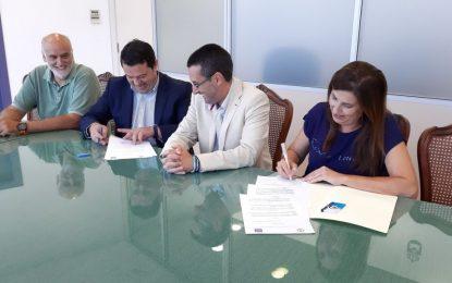 Firmado en el Ayuntamiento un convenio de colaboración entre Ubago y la Unión Linense de Baloncesto