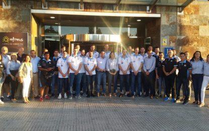 Juan Franco y Javier Vidal asisten a la  presentación de l proyecto de la Unión Linense de Baloncesto para esta temporada